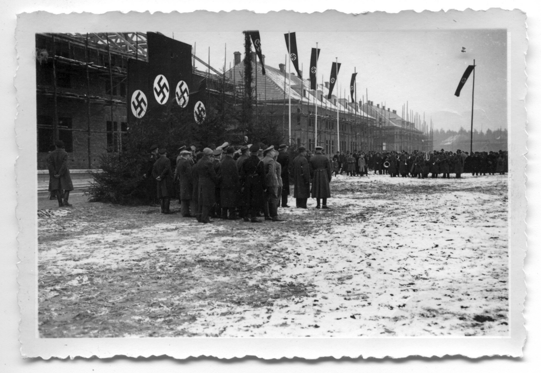 Topping out ceremony at the Belsen military base, December 1935. City Archives Bergen