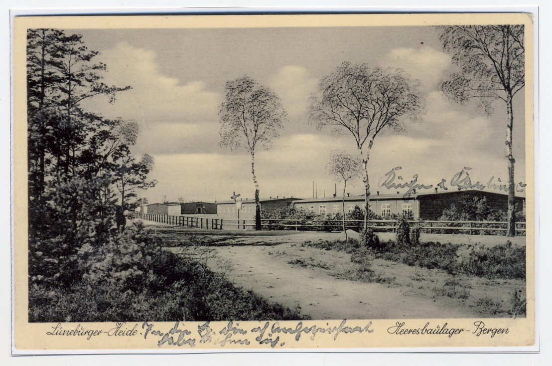 Postcard of the construction workers' camp at Bergen-Belsen with handwritten commentary from the sender, 1935/1936. From the collection of Hinrich Baumann.