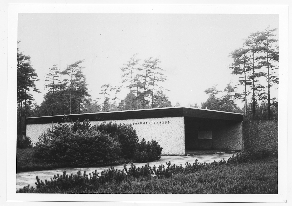 The Document Building at the Bergen-Belsen Memorial which opened in October 1966, photograph taken circa 1986.Photo by Annette Kuhlmann. Photo archive of Cellesche Zeitung.